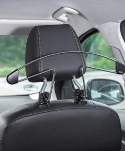 Bra present till bilister, Klädhängare till bilen