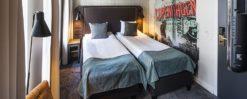 hotell present, Hotellövernattning för två